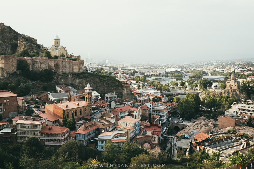 Boek uw goedkope vliegticket Tbilisi bij KLM en haal meer uit uw reis met onze gunstige vliegtijden.