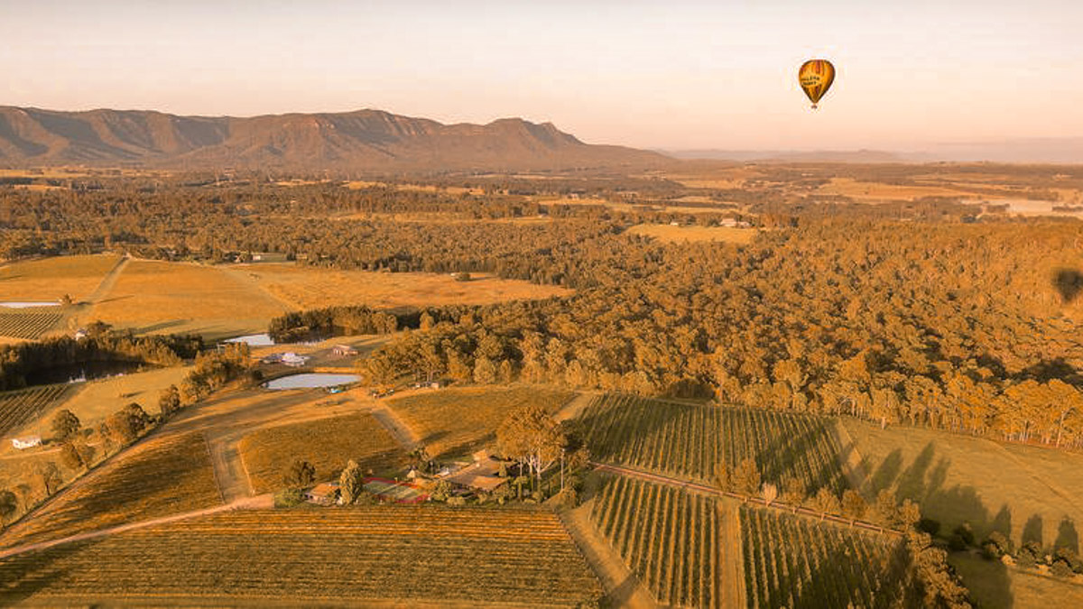 hot air ballooning hunter valley. best sydney experiences.